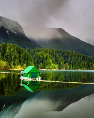 Capilano Lake in North Vancouver - Obrázkek zdarma pro Nokia Asha 305
