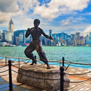Bruce Lee statue in Hong Kong - Obrázkek zdarma pro 1024x1024