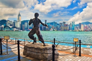 Bruce Lee statue in Hong Kong - Obrázkek zdarma pro Android 800x1280