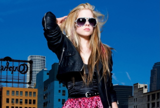 Avril Lavigne Fashion Girl - Obrázkek zdarma pro Nokia Asha 200