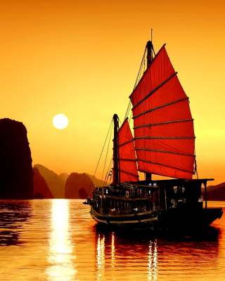 Halong Bay, Vietnama in Sunset - Obrázkek zdarma pro Nokia 300 Asha