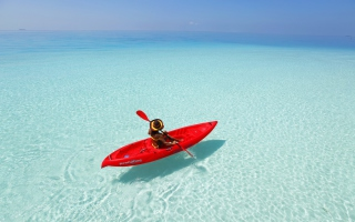 Free Red Kayak And Transparent Water Picture for Android, iPhone and iPad
