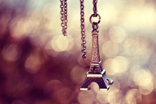 Eiffel Tower Pendant - Obrázkek zdarma pro Fullscreen Desktop 1400x1050