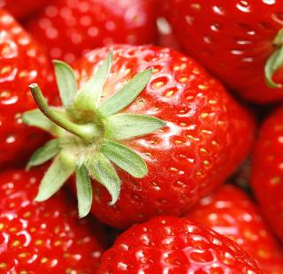 Strawberries - Obrázkek zdarma pro iPad