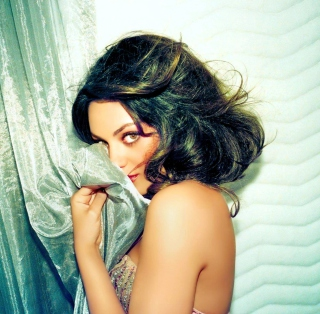 Confused Mila Kunis - Obrázkek zdarma pro 1024x1024