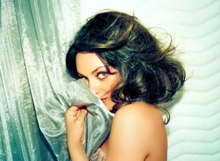 Confused Mila Kunis - Obrázkek zdarma pro 1600x1200