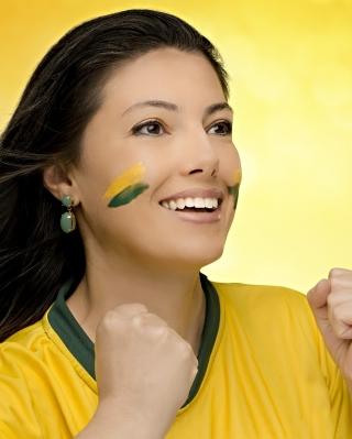 Brazil FIFA Football Cheerleader - Obrázkek zdarma pro 320x480