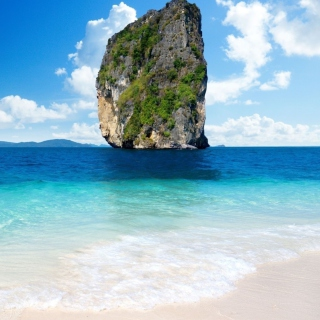 Rock In Ocean - Obrázkek zdarma pro iPad