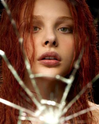 Chloe Grace Moretz - Obrázkek zdarma pro Nokia C5-05