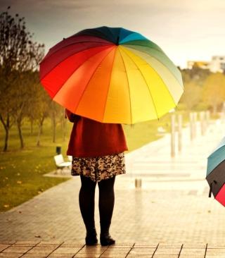 Girl With Rainbow Umbrella - Obrázkek zdarma pro 320x480