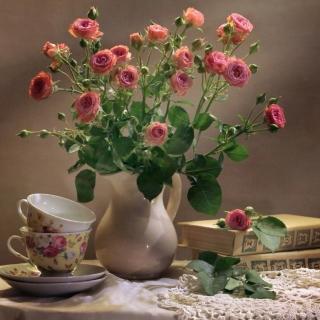 Still life of vintage books and roses - Obrázkek zdarma pro iPad
