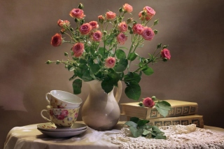 Still life of vintage books and roses - Obrázkek zdarma