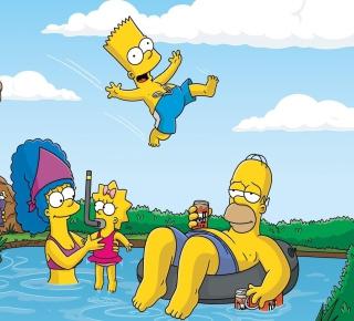 The Simpsons Swim - Obrázkek zdarma pro 320x320