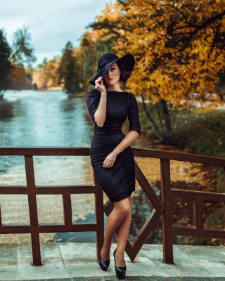 Fit Autumn Lady - Obrázkek zdarma pro 640x960