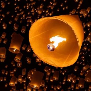 Air fiery torches - Obrázkek zdarma pro 2048x2048
