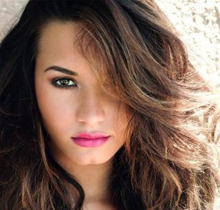 Demi Lovato Pink Lips - Obrázkek zdarma pro iPad Air