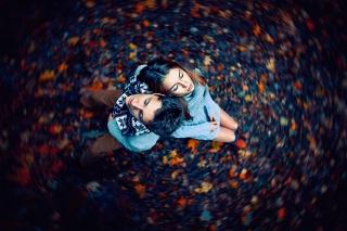 Autumn Couple's Portrait - Obrázkek zdarma pro HTC One