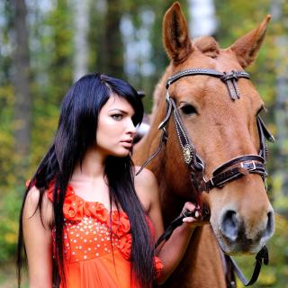 Girl with Horse - Obrázkek zdarma pro 128x128