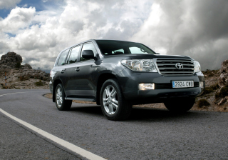 Land Cruiser 200 Series Background for Android, iPhone and iPad