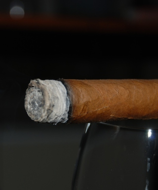 Cigar - Obrázkek zdarma pro 352x416