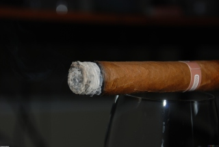 Cigar Picture for Android, iPhone and iPad