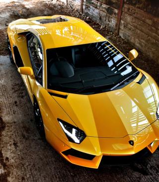 Lamborghini Aventador Yellow - Obrázkek zdarma pro 128x160