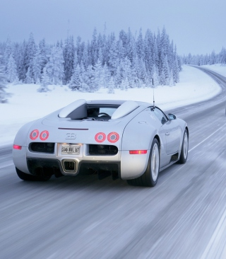Bugatti Veyron In Winter - Obrázkek zdarma pro Nokia C-5 5MP