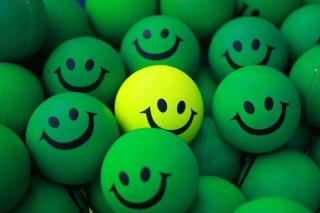Smiley Green Balls - Obrázkek zdarma