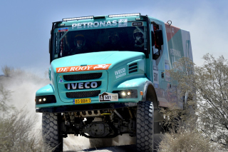 Iveco Race Truck - Obrázkek zdarma pro LG Optimus M