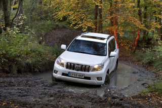 Toyota Land Cruiser Prado Background for Android, iPhone and iPad