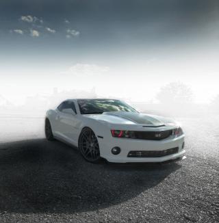 Chevrolet Camaro - Legendary American Car - Obrázkek zdarma pro iPad mini