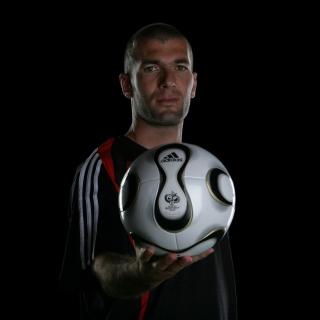 Zinedine Zidane - Obrázkek zdarma pro iPad Air