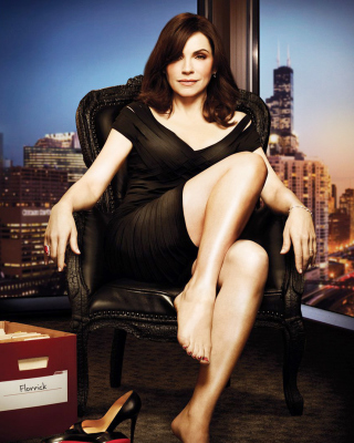 Julianna Margulies as Alicia Florrick in The Good Wife - Obrázkek zdarma pro 128x160
