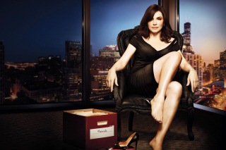 Julianna Margulies as Alicia Florrick in The Good Wife - Obrázkek zdarma pro 1366x768