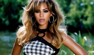 Beautiful Beyonce Picture for Android, iPhone and iPad