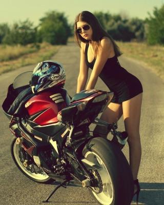 Hot Brunette And Suzuki Motorbike - Obrázkek zdarma pro Nokia Asha 203