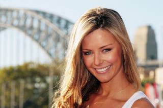 Jennifer Hawkins - Obrázkek zdarma pro HTC Desire 310