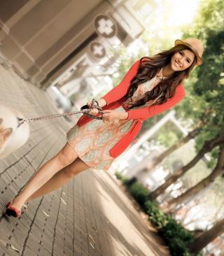 Pretty Girl Walking Her Dog - Obrázkek zdarma pro Nokia Lumia 820