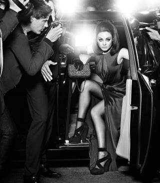 Mila Kunis Hollywood Star - Obrázkek zdarma pro Nokia Asha 203
