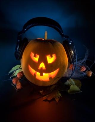 Pumpkin In Headphones - Obrázkek zdarma pro Nokia Lumia 810