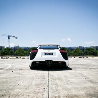 White Lexus - Obrázkek zdarma pro 320x320