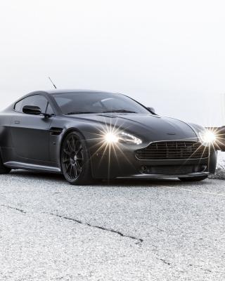 2015 Aston Martin V8 Vantage GT - Obrázkek zdarma pro Nokia Lumia 625