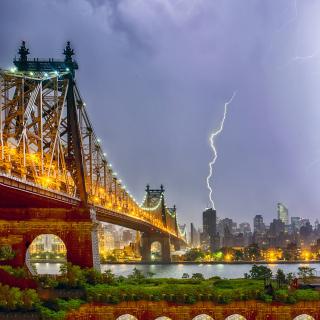 Storm in New York - Obrázkek zdarma pro 208x208
