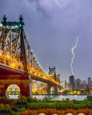 Storm in New York - Obrázkek zdarma pro Nokia Asha 303