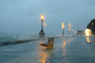 Embankment during the hurricane - Obrázkek zdarma
