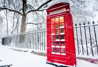 English Red Telephone Booth Wallpaper for Android, iPhone and iPad