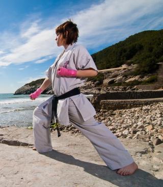 Karate By Sea - Obrázkek zdarma pro Nokia Asha 308
