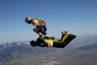 Skydiving - Obrázkek zdarma pro Fullscreen Desktop 1024x768