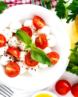 Salat, basil, parsley, mozzarella, tomatoes - Obrázkek zdarma pro Nokia X6