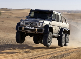 Free Mercedes-Benz G 63 AMG 6x6 Picture for Android, iPhone and iPad